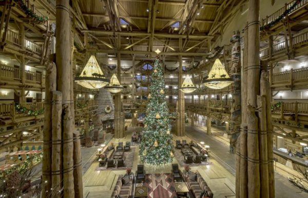 What is missing from Christmas at Walt Disney World for 2020 3
