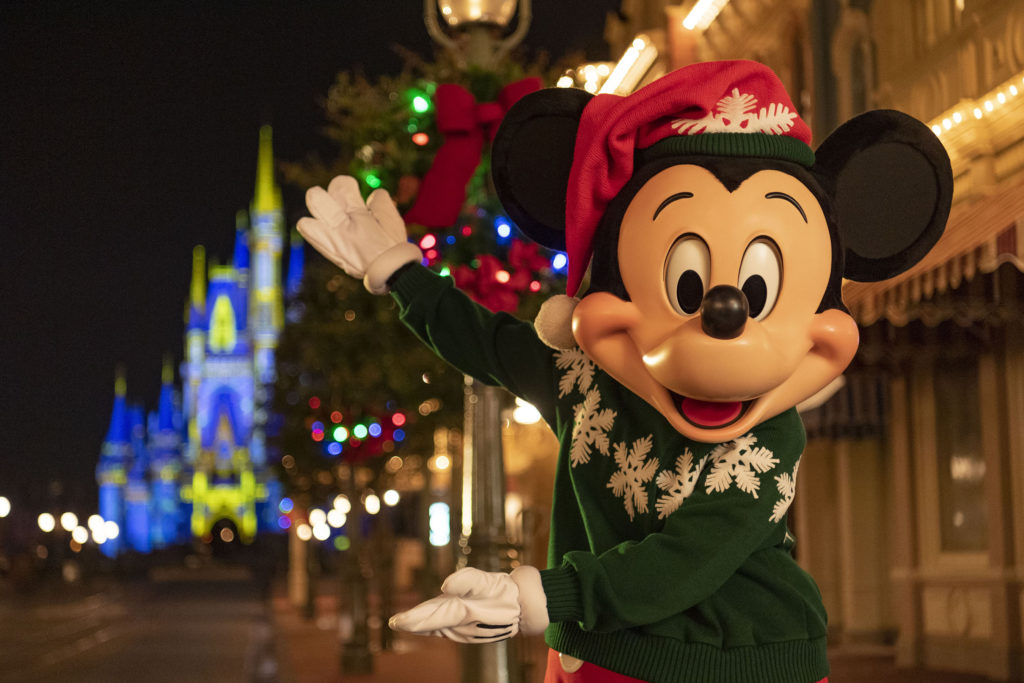 Disney World Extends Park Hours for the Holidays
