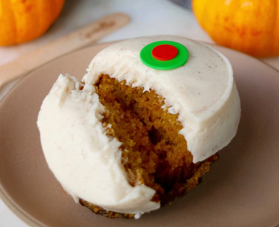 Pumpkin Cupcake Is Now Baking At Sprinkles In Disney Springs!