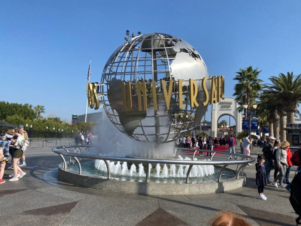 Disney & Universal call on California Governor to reopen theme parks 3