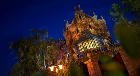 Fans Petition Disney to Have Haunted Mansion Character Meet-and-Greets