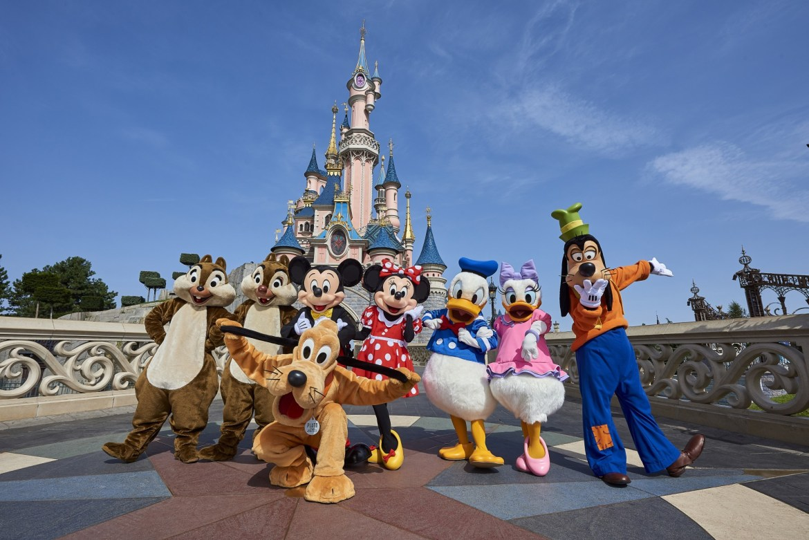 Disneyland Paris is offering €100 gift card to cancelled Christmas guests if they rebook