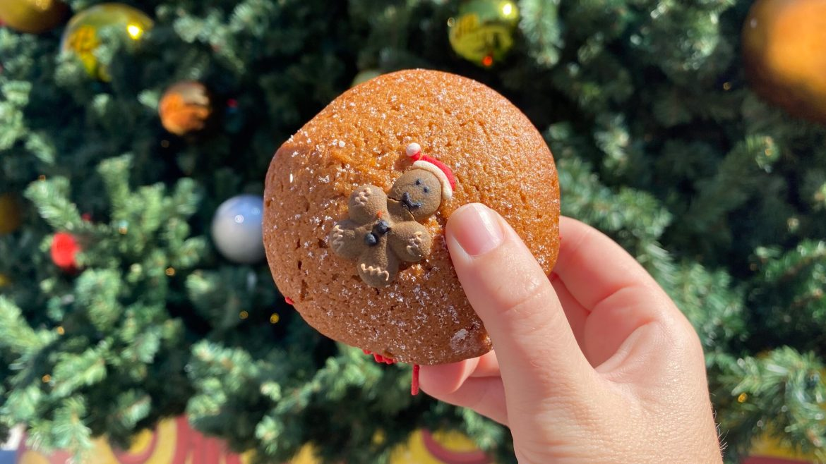 The Gingerbread Whoopie Pie From Universal Studios Is Deliciously Festive