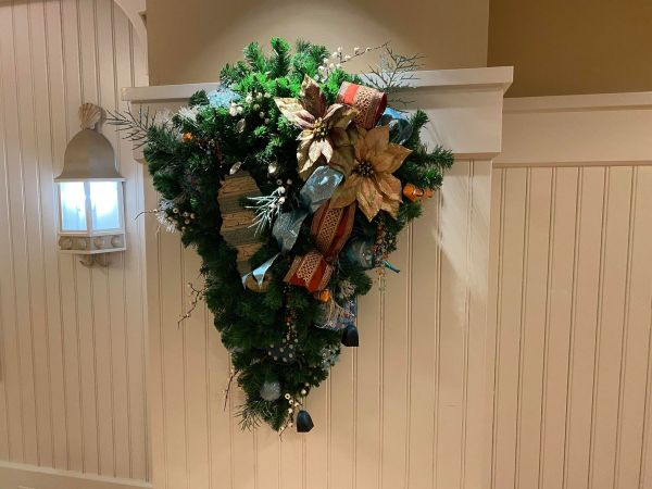Christmas decorations delight guests at Disney's Beach Club Resort 7