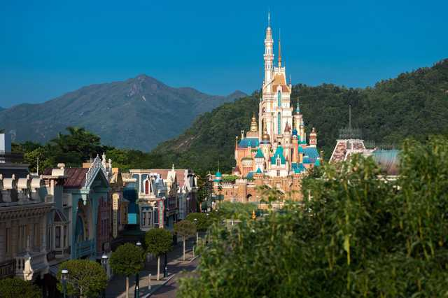 Hong Kong Disneyland celebrates 15th Anniversary on November 21st