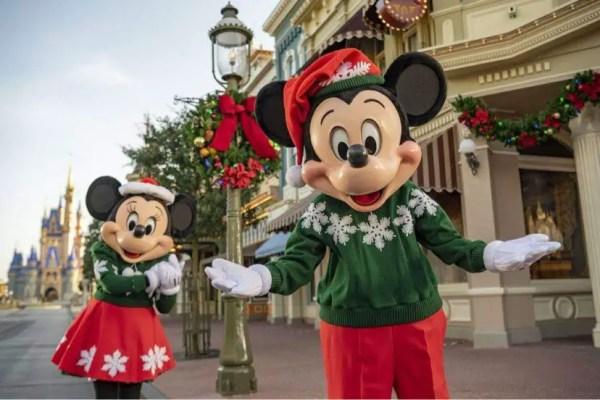 Disney World extending park hours