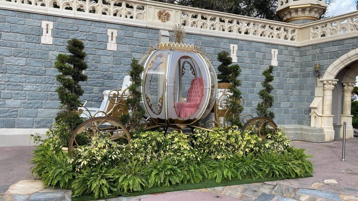 Cinderella Carriage Photo Op Available Now Through December In The Magic Kingdom