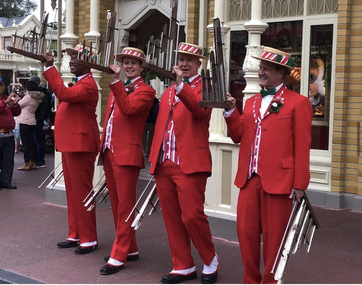 Tune in to a live performance of the Dapper Dans as they sing Holiday Favorites