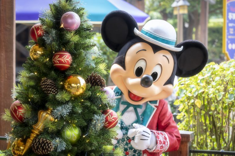 Disney Ambassadors Around the Globe Wish You Seasons Greetings