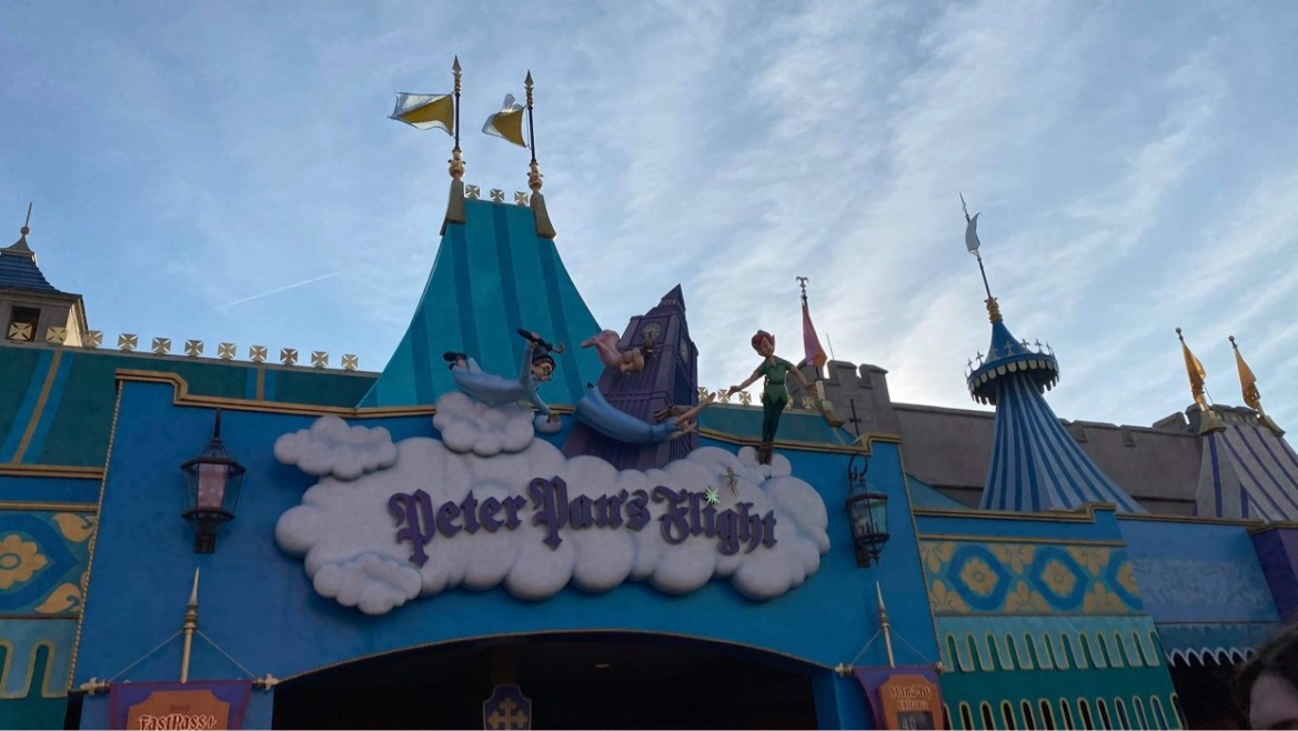Peter Pan Flight queue extended though Columbia Harbor House