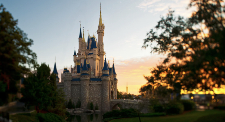 Disney World is expanding Park Hours in January 2021
