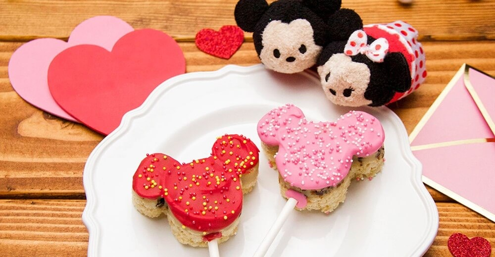 Make These Mickey & Minnie Cookie Dough Crispy Pops With Someone You Love