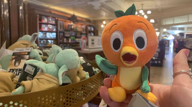 New Orange Bird Shoulder Pet Has Flown Into Walt Disney World