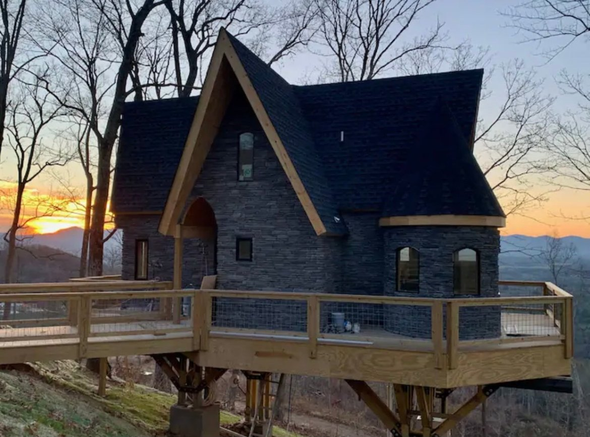 You can stay in this Harry Potter Themed House in the North Carolina Mountains