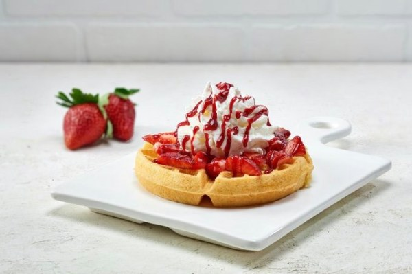 Strawberry Waffle at Vivoli Il Gelato