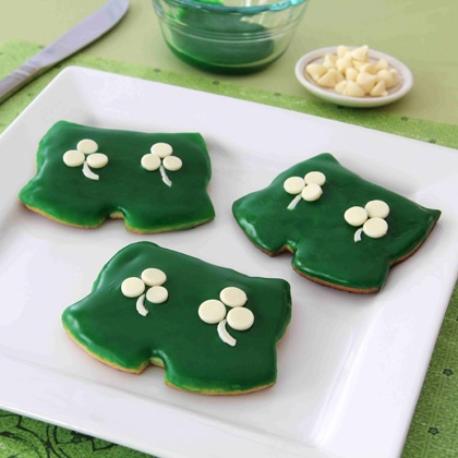 Celebrate St. Patrick's Day With These Mickey's Shamrock Shorts Cookies