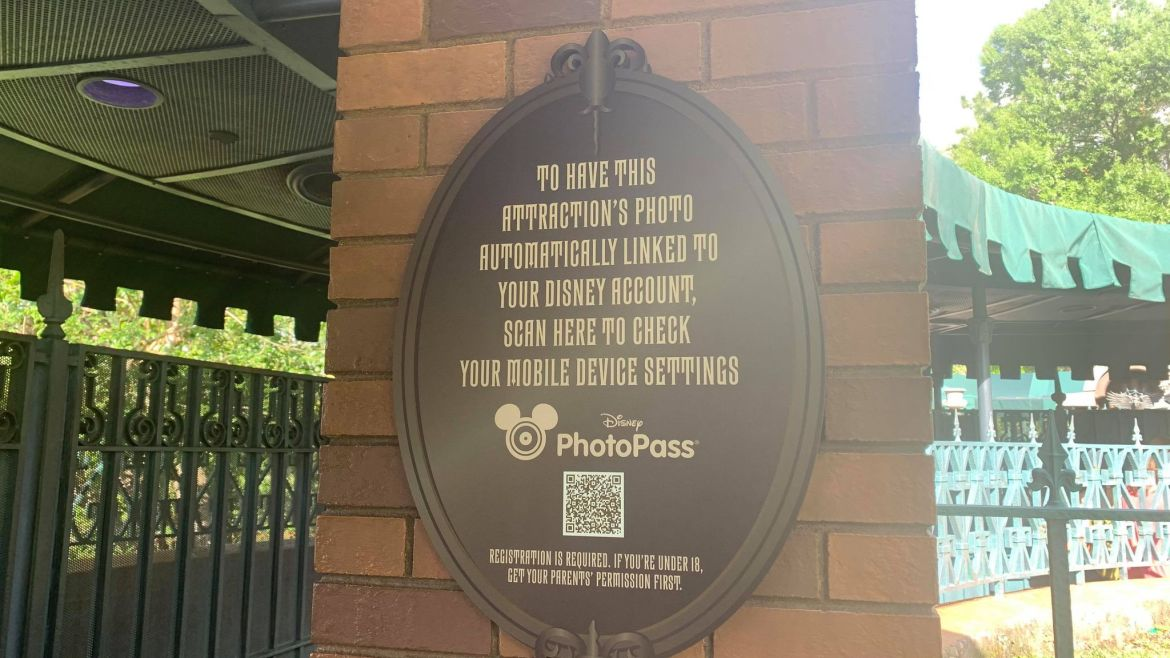 New signage for Disney World Attraction Photo Pass now on display