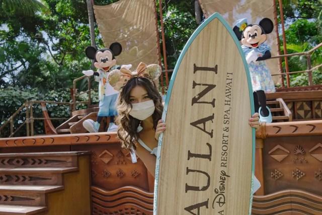 Peyton Elizabeth Lee From Disney+ Original Series, 'Doogie Kamealoha M.D.,' Visits Aulani Resort 4