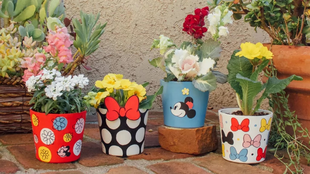 Create A Magical Garden With These Minnie Mouse Flower Pots!