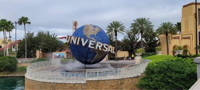 Universal Orlando hiring over 2000 team members 1