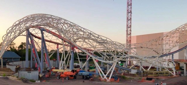 Temporary frame removed from Tron Lightcycle Run 2