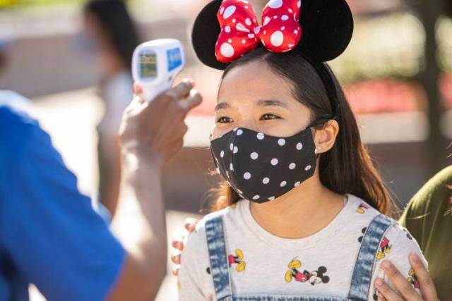 Disneyland to end temperature screenings 1