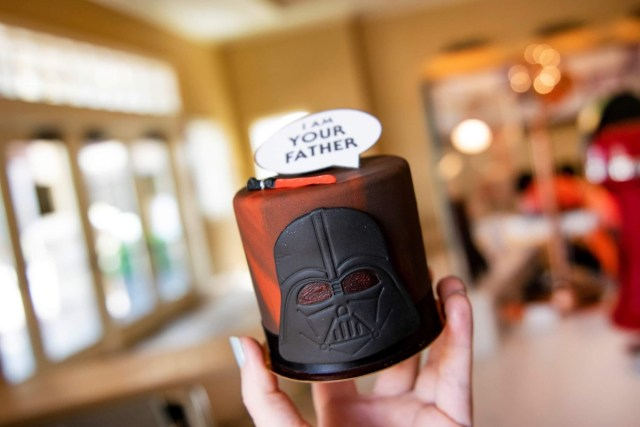 """Limited edition """"I Am Your Father"""" Petite Cake now at Disney Springs 2"""