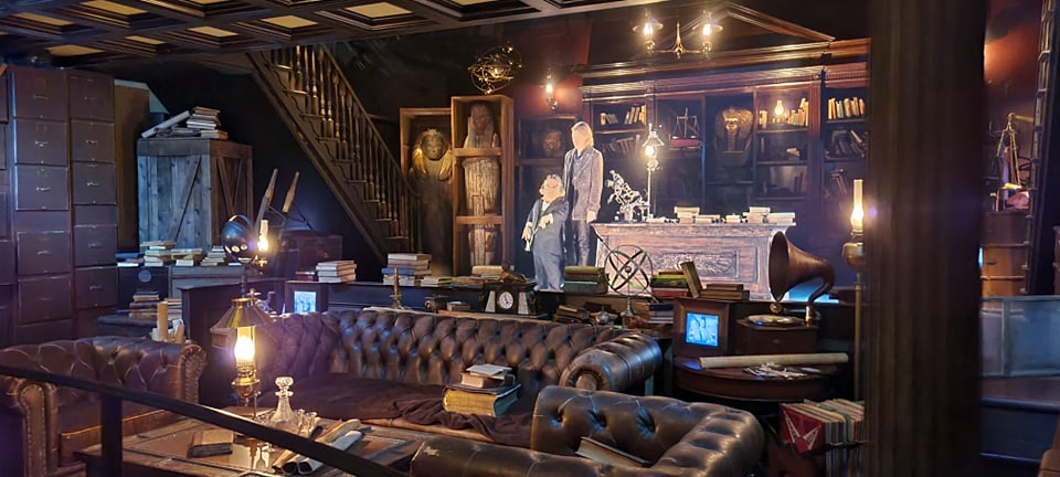 Escape from Gringotts Pre Show is running again!