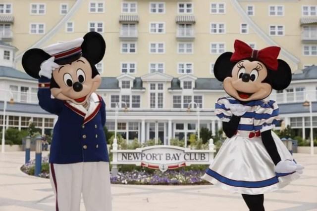 Mickey & Minnie receive new nautical outfits at Disneyland Paris 2
