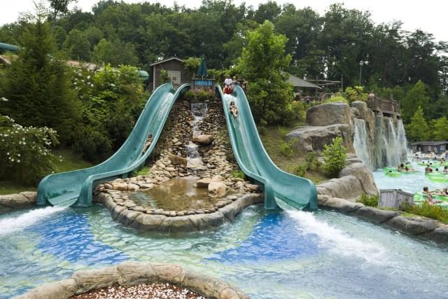 Dollywood's Splash Country Swim safely