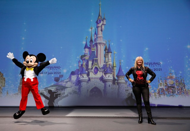 Disneyland Paris Officially Reopens today! 3