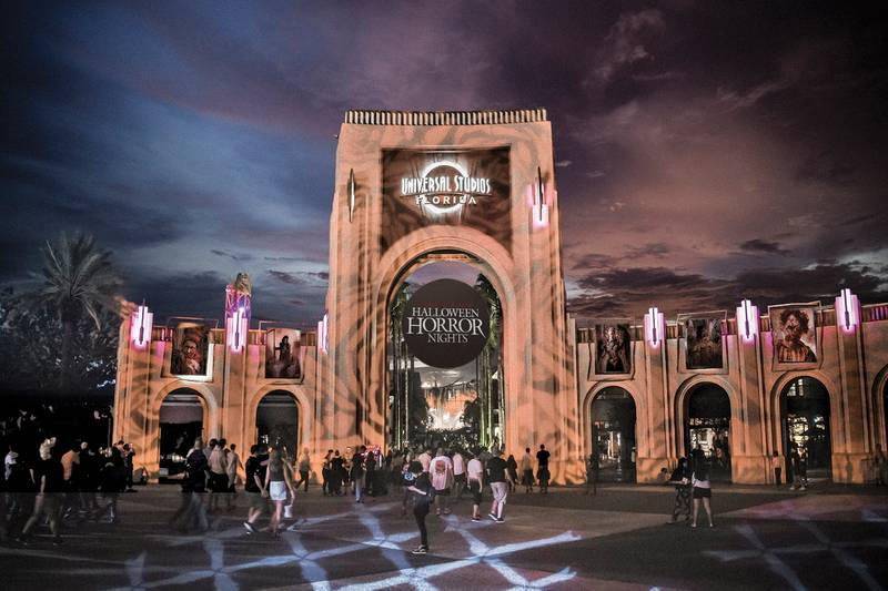 Universal Orlando hoping to fill 2000 open positions for Halloween Horror Nights