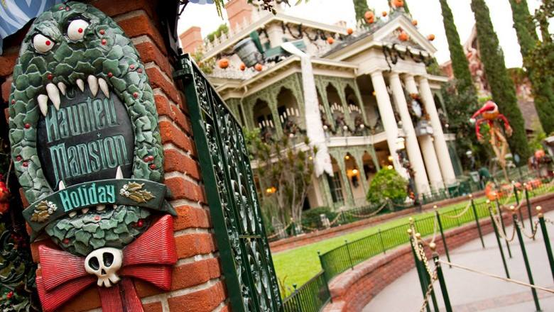 Haunted Mansion Holiday Overlay returning to Disneyland