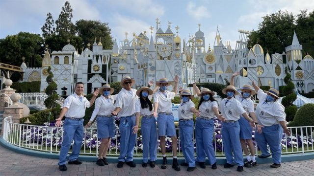 Cast Members Celebrated the Disneyland Anniversary with a rubber duck race 2