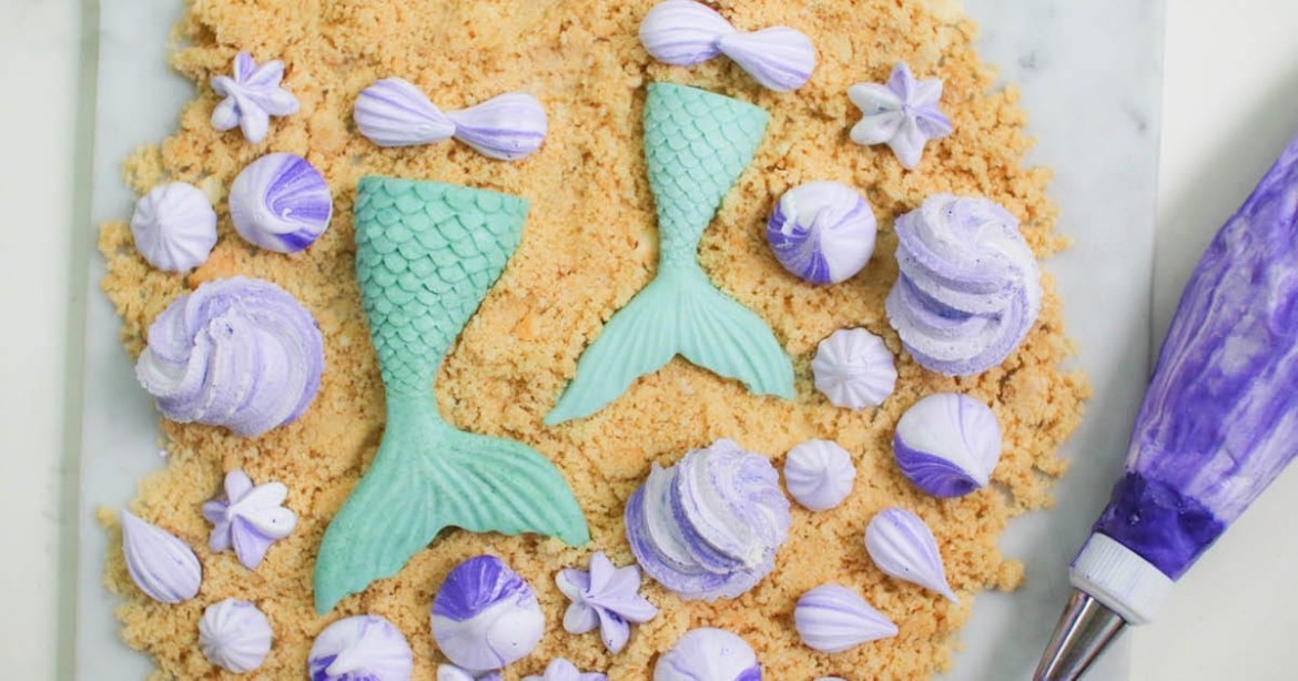 Look At These Delicious Little Mermaid Chocolate And Meringue Treats, Aren't They Neat?