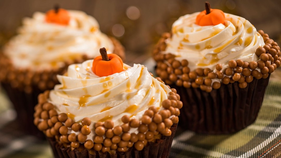 Delicious Pumpkin Cupcakes To Make This Fall!