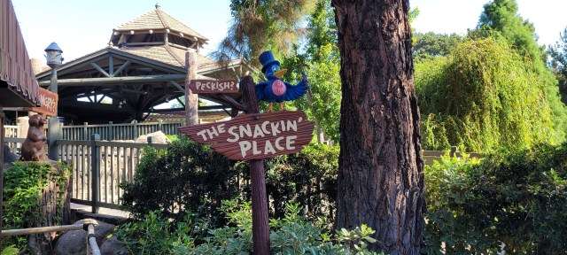 Disney Snacks and Treats coming to Disney's Mobile Order 1