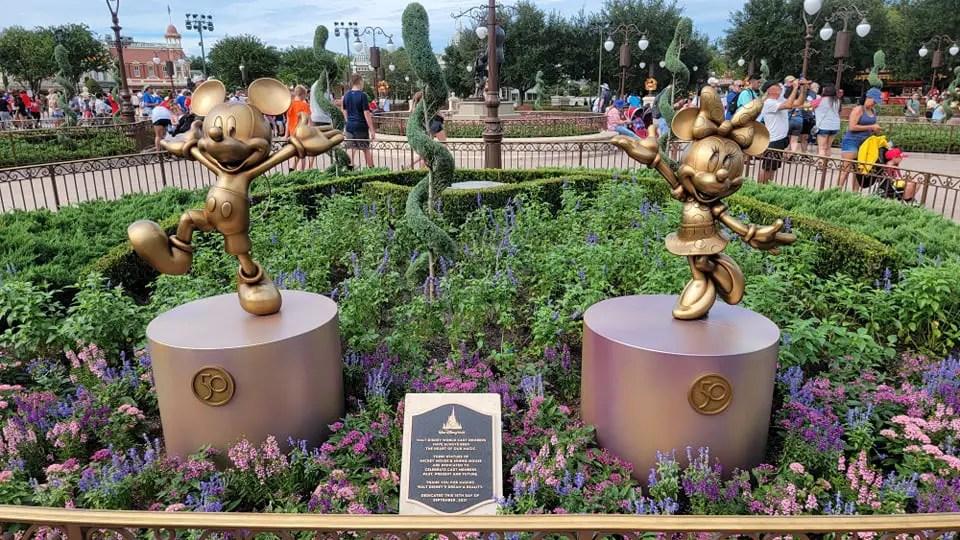 Disney dedicates Mickey & Minnie Fab 50 statues to Walt Disney World Cast Members