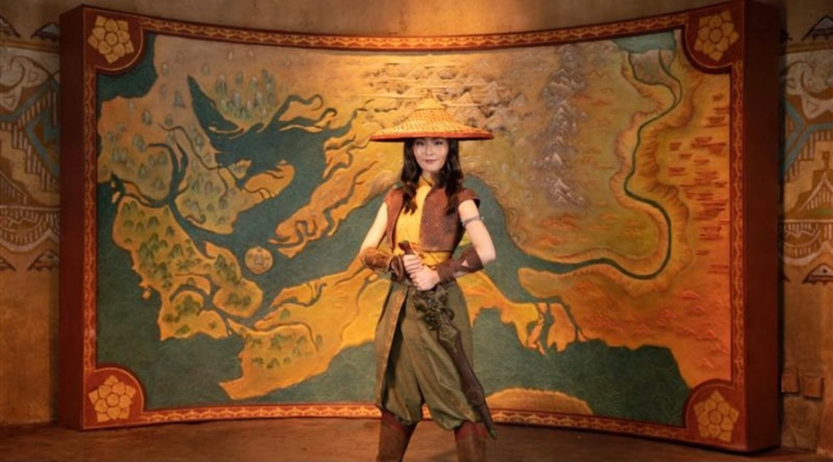 """Raya from """"Raya and the Last Dragon"""" Makes her theme park Debut"""