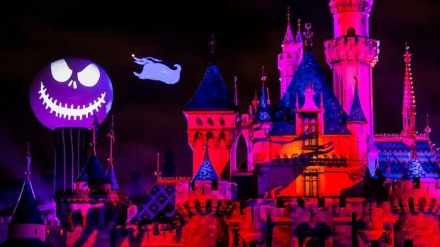 Halloween Time has come to Disneyland 3