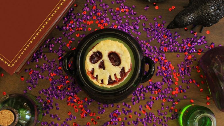 Wickedly Delicious Evil Queen's Mini Poison Apple Pies Recipe!