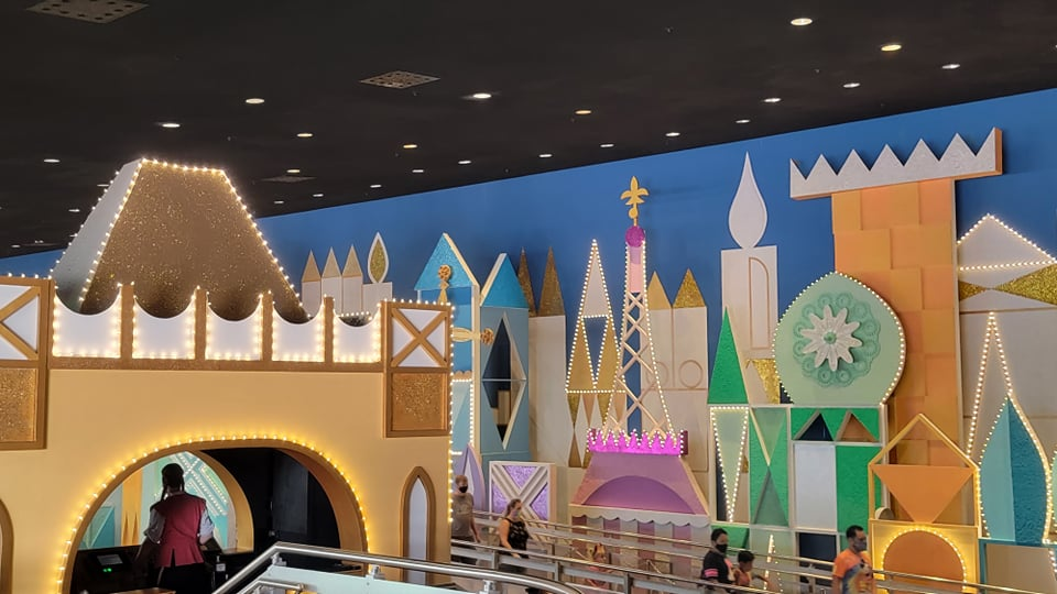 """50th Anniversary Painting Is Now Complete For """"it's a small world"""" 1"""