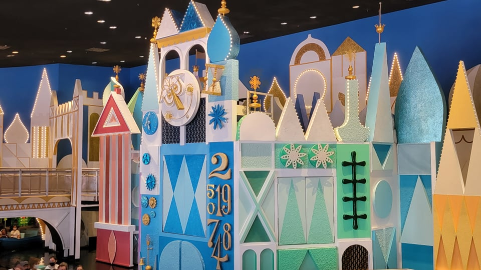 """50th Anniversary Painting Is Now Complete For """"it's a small world"""""""