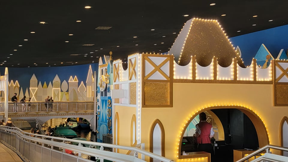 """50th Anniversary Painting Is Now Complete For """"it's a small world"""" 5"""