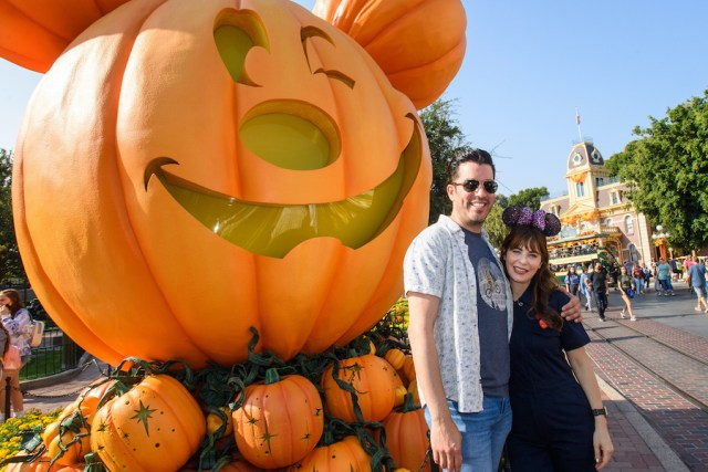 Stars come out for fall fun at Disneyland 4