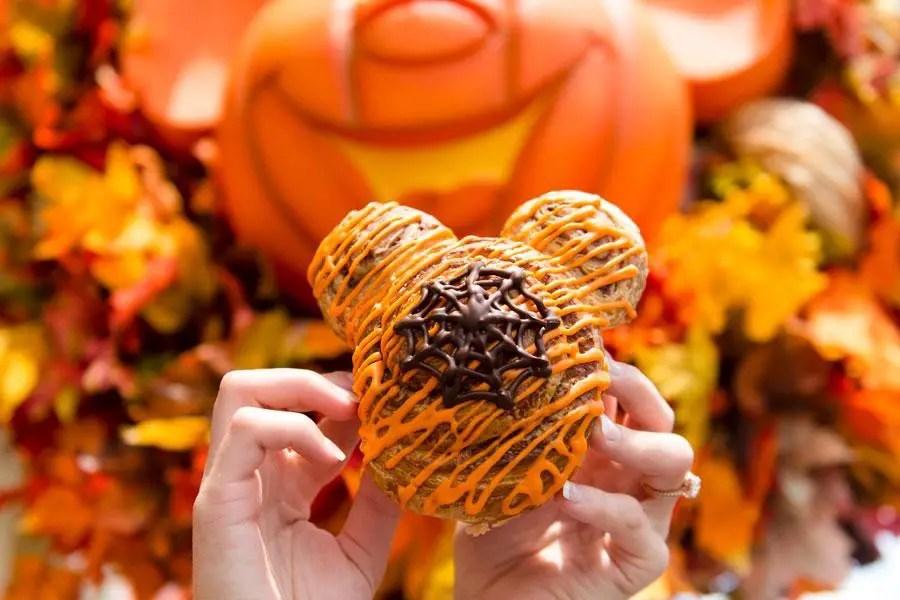 Not So Scary Mickey Halloween Cinnamon Roll Recipe!