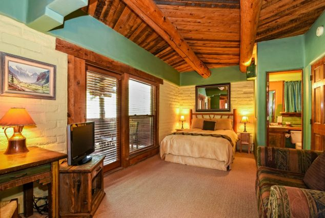 Tower Deluxe room, Colorado hotel with private hot tubs