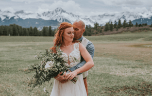 Couple in Colorado Mountain Wedding Venues