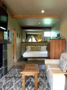 Lodging in Ridgway CO King size bed