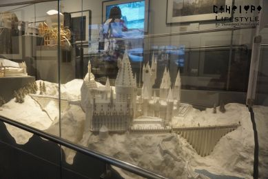 hogwarts sculpture